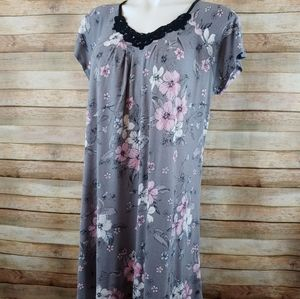 Croft & Barrow gray pink nightgown M